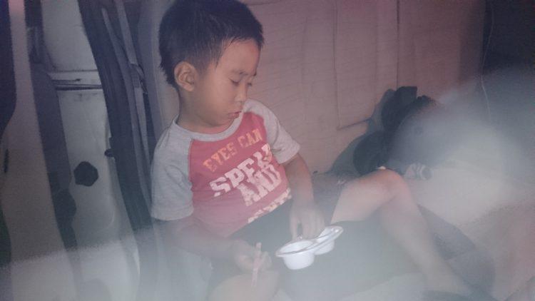アイス食べながら寝落ちしたじょに次郎・・・