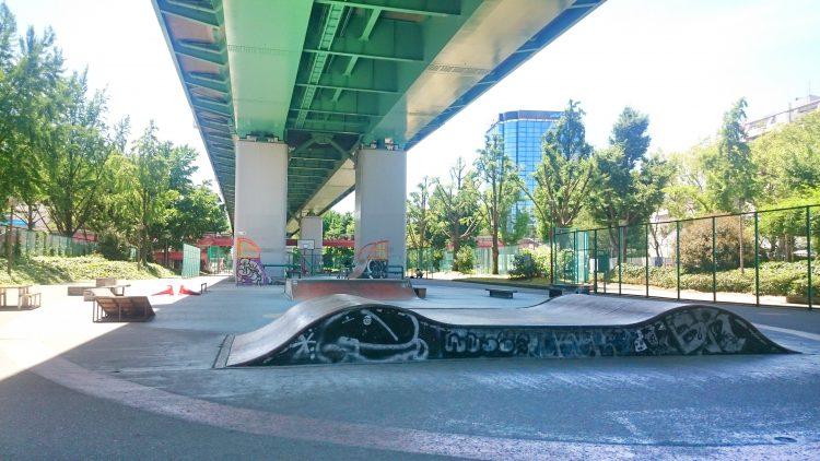 平日昼の若宮スケートパーク
