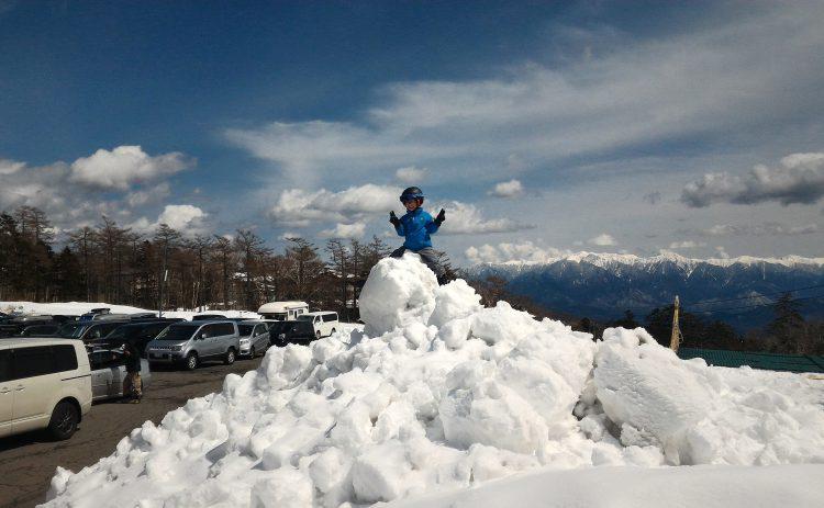 雪山に登るじょに次郎